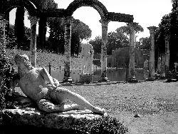 Galleria fotografica roma in bianco e nero il colosseo for Roma in bianco e nero
